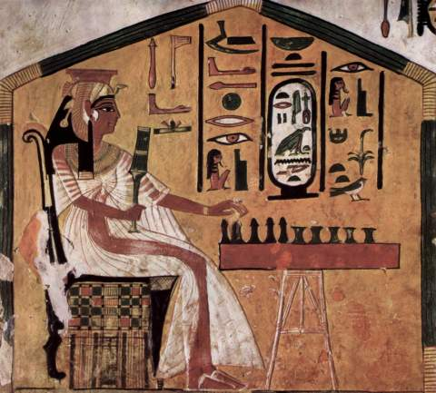 nefertari-playing-senet